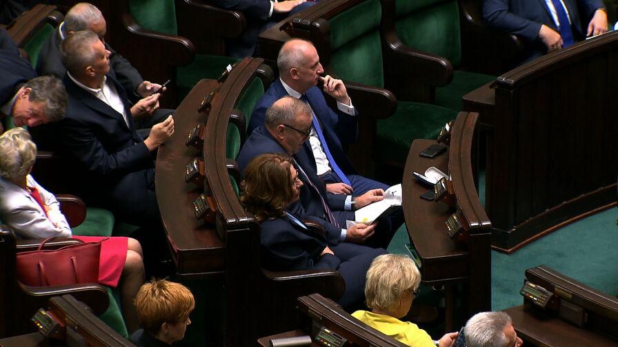 """Posiedzenie Sejmu będzie dokończone po wyborach. """"Nie złamaliśmy regulaminu, wszystko jest zgodnie z prawem"""""""