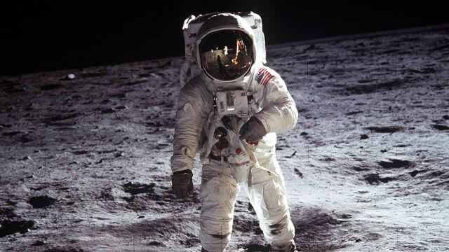 """""""Wszyscy wiemy, że Kubrick to sfilmował"""". Ekspert o spiskowych teoriach wokół Apollo 11"""