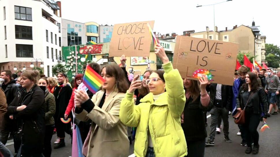 Homoseksualizm nie jest zaraźliwy, ani kwestią mody. Ojciec prezydenta i jego minister mylą się