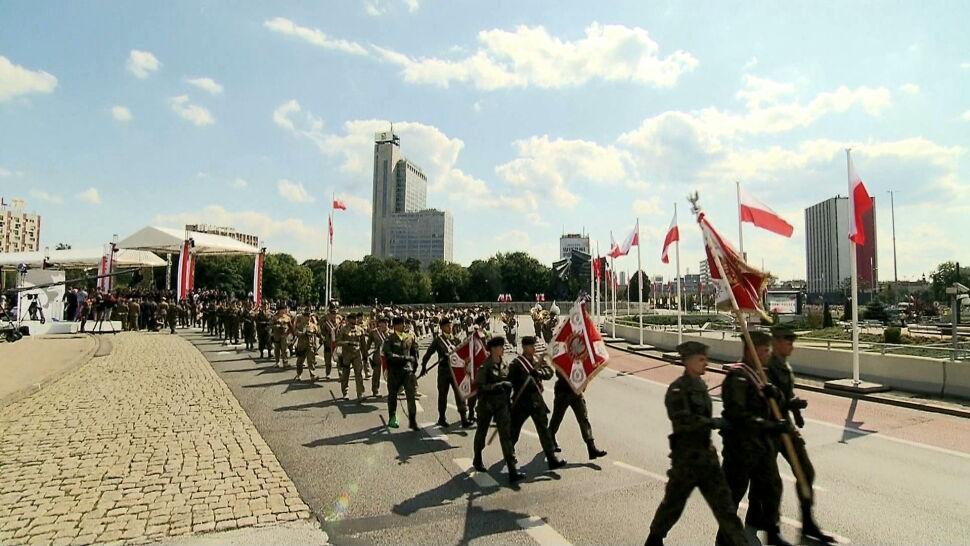 Nominacje, przemówienia i wojskowa parada. Obchody Święta Wojska Polskiego w Katowicach
