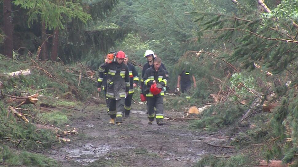 Jak zachować się w czasie burzy? Strażacy i ratownicy przypominają zasady bezpieczeństwa