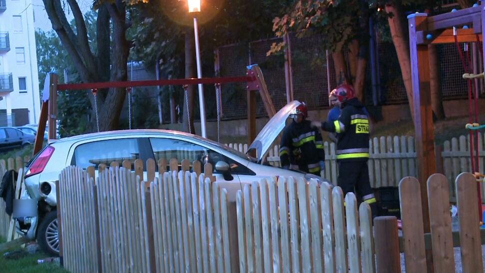"""Staranowany samochód uderzył w 12-latka. Sprawca wypadku """"nie reagował na żadne polecenia"""""""