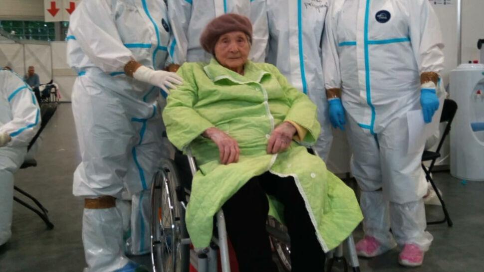 101-latka wygrała walkę z koronawirusem. Opuściła szpital w Poznaniu