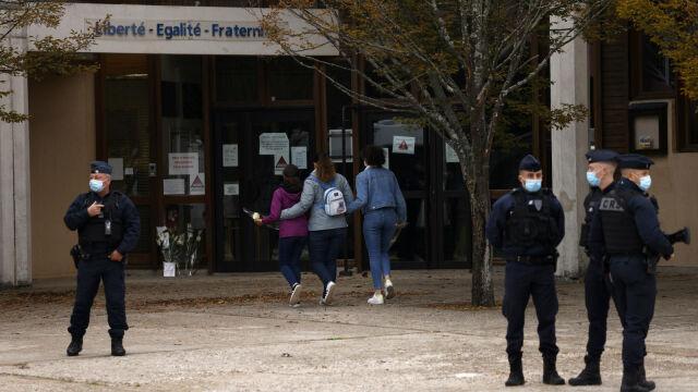 17.10.2020 | Francja poruszona morderstwem nauczyciela. Sprawcą 18-letni uczeń