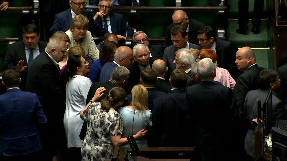 """Kaczyński zabiera głos w sprawie taśm. """"Parę spraw chcę sprostować"""""""