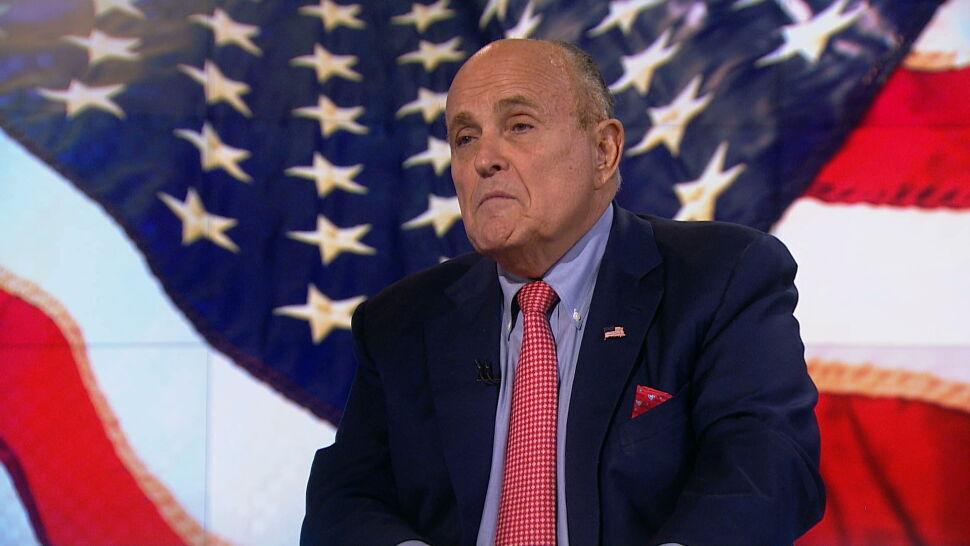 Giuliani: kraj, który jest religijnym, maniakalnym reżimem nie powinien mieć broni jądrowej