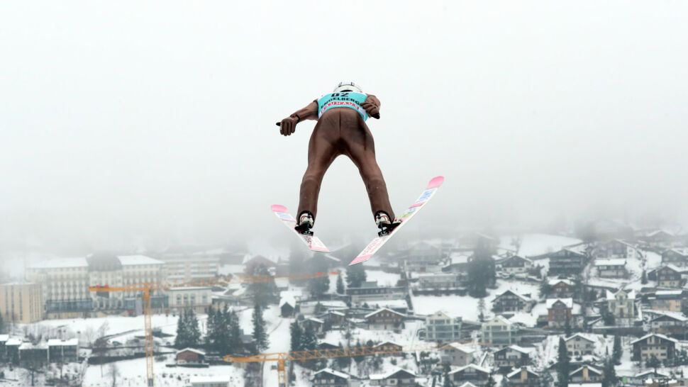 Skoki w Engelbergu. Żyła drugi, Stoch trzeci, wygrał Japończyk
