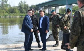 Rząd chce rozwiązać problem warszawskich ścieków za pomocą mostu pontonowego