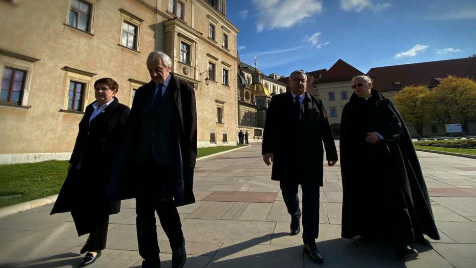 Politycy PiS na Wawelu nie złamali obostrzeń. Sąd: nie ma podstawy prawnej