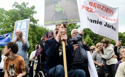 Protest niepełnosprawnych i ich opiekunów w Warszawie