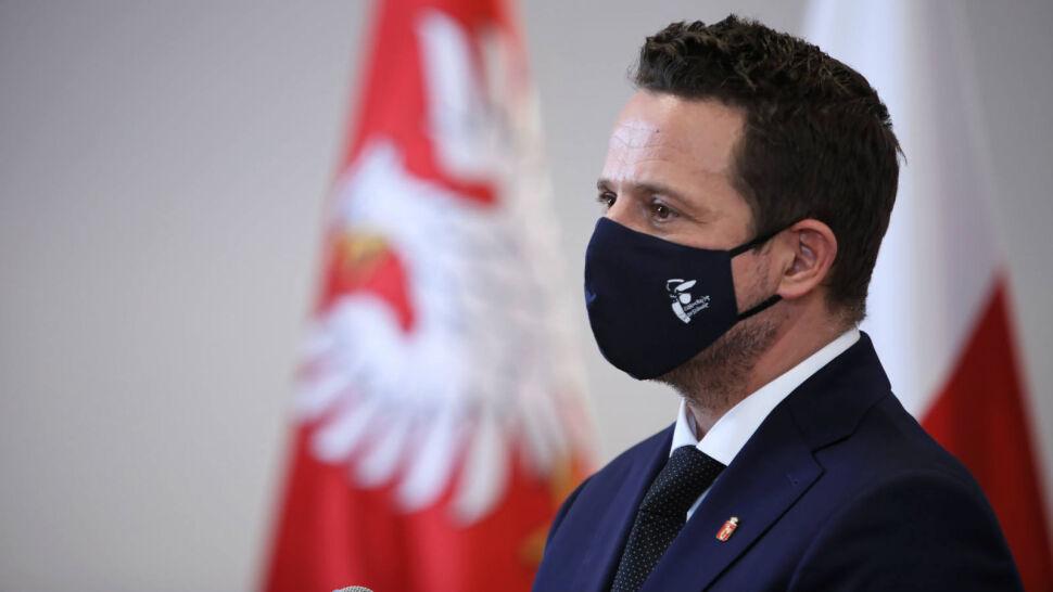 """""""Charakter szkolenia bojówek paramilitarnych"""". Rafał Trzaskowski zapowiada kontrole po reportażu TVN24"""
