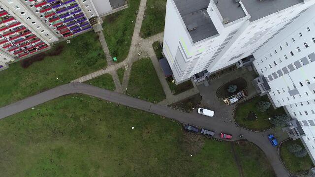15.01.2020 | Mieszkańcy bloku wypisali się ze spółdzielni, prezes zaczął im naliczać opłaty za chodzenie po chodniku