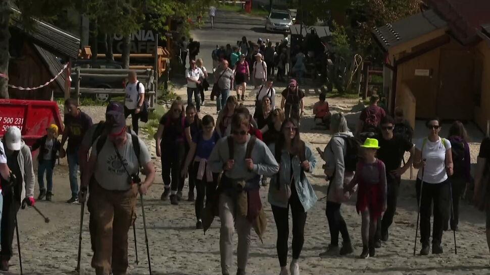 Polacy ruszyli w góry. Tłoczno w Zakopanem