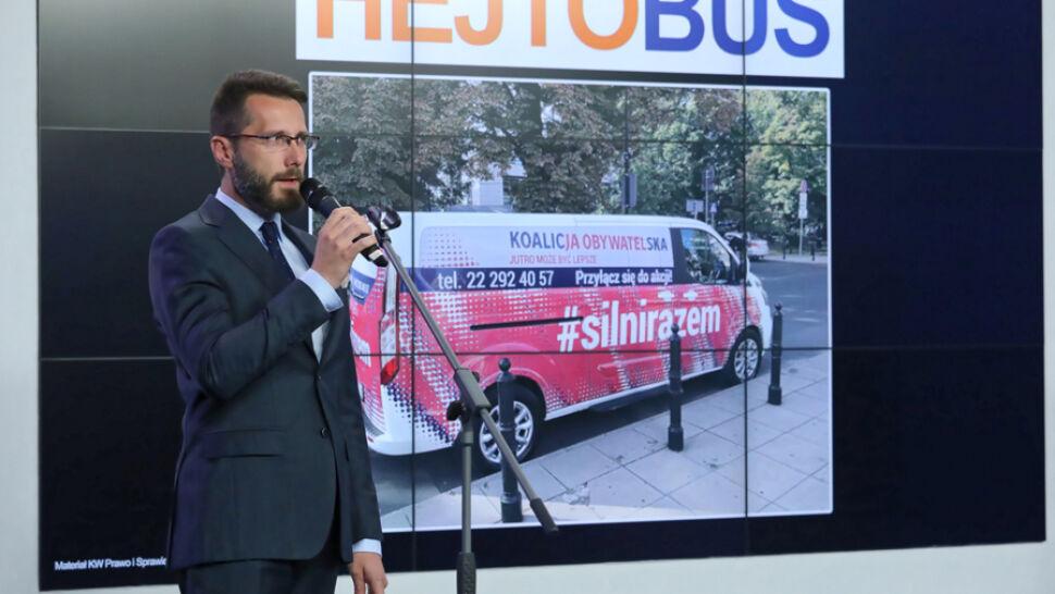 """Politycy PiS mówią o """"hejtobusie"""", Koalicja Obywatelska odpowiada"""