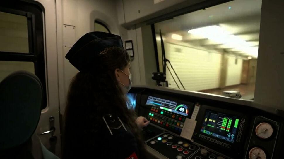 W Rosji z listy zawodów niedostępnych dla kobiet zniknęło prowadzenie pociągów metra