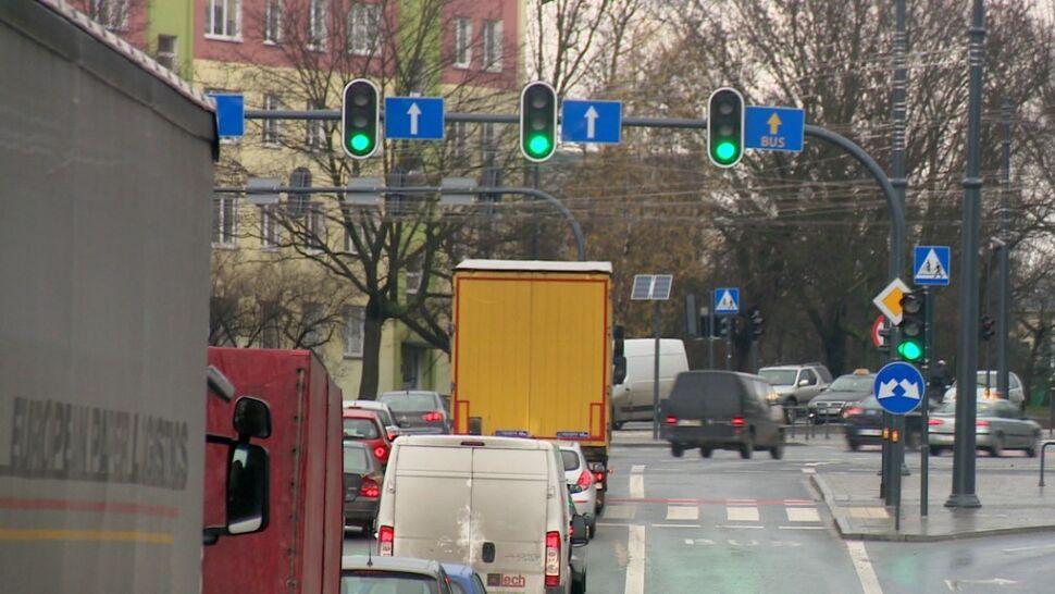 """To najinteligentniejsze skrzyżowanie w Polsce? Kierowcy mówią, że to drogowy """"Big Brother"""""""