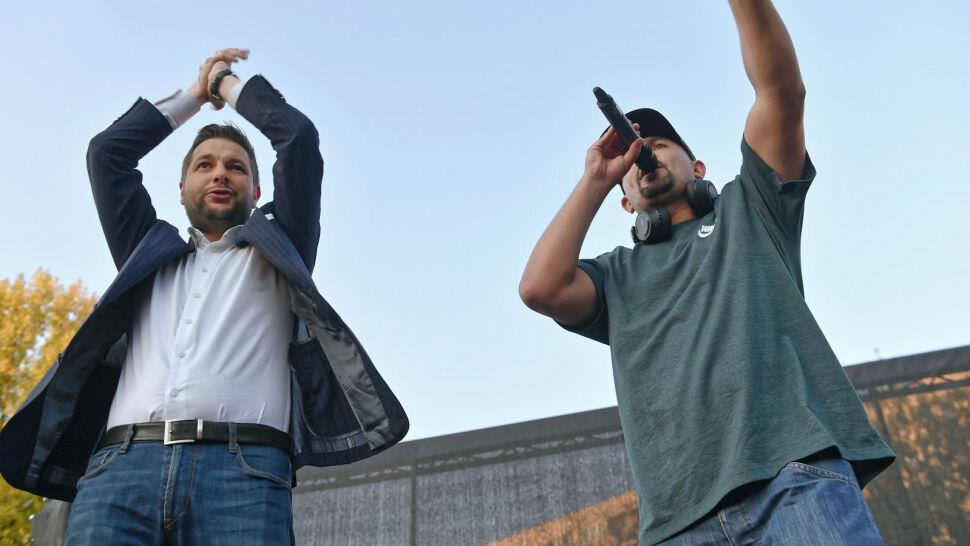 Przedwyborcze przeboje - i kampania w rytmie hip-hopu