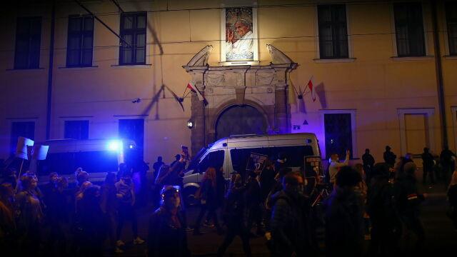 """26.10.2020   Niedzielne protesty nie tylko przed kościołami. """"Poziom frustracji narasta"""""""