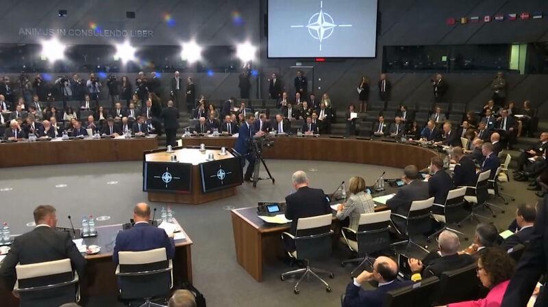 NATO może działać także w kosmosie. Oficjalna decyzja ministrów