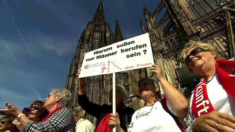 """""""Maria 2.0"""". Chcą większej roli kobiet w Kościele i akceptacji homoseksualizmu"""