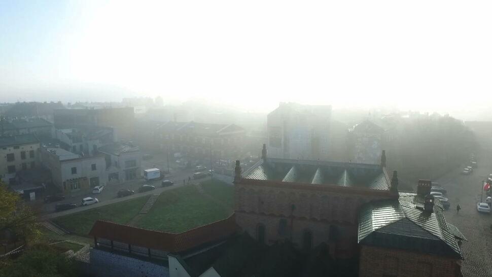 """Jakość powietrza groźna dla zdrowia. """"Smog dusi krakowian"""""""