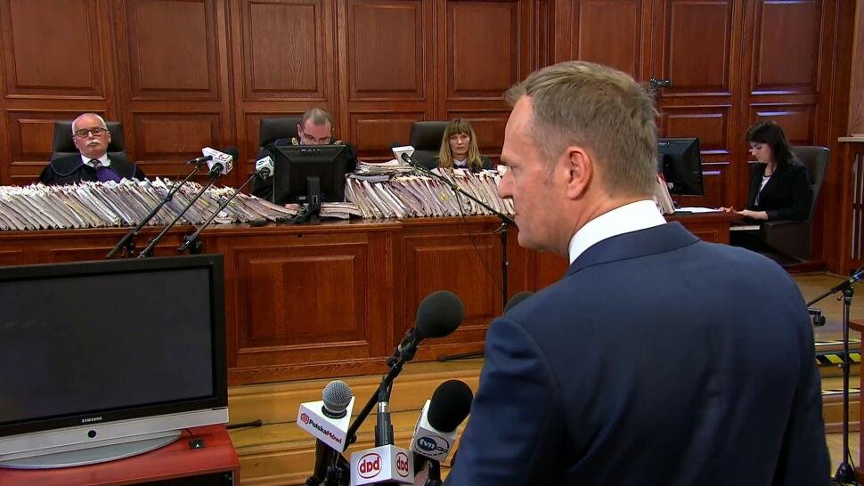 Zeznawał świadek Tusk. Spór o lot trwa od ośmiu lat
