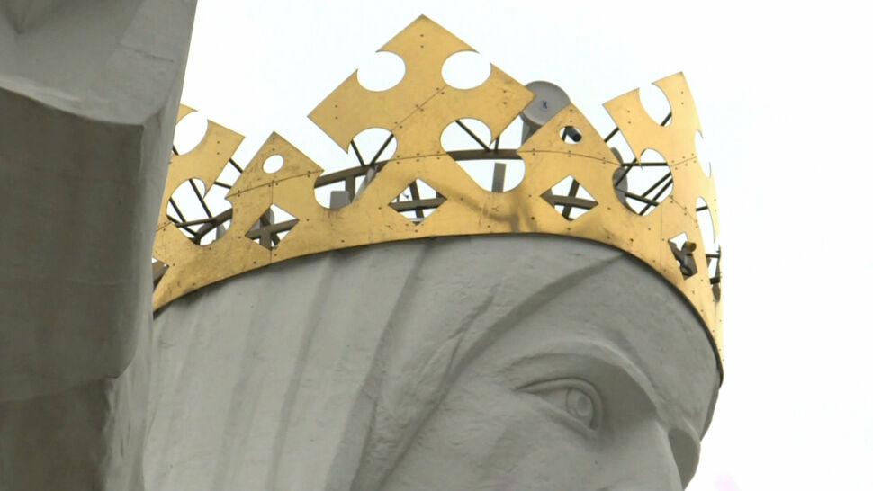 Anteny w koronie Chrystusa ze Świebodzina. Abp Polak: to jest samowolka