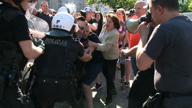 06.05.2018 | Starcia narodowców z policją w Katowicach. Nie chcieli się rozejść