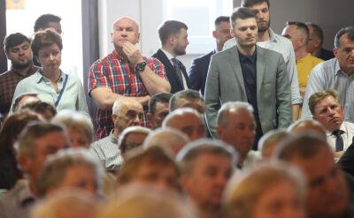 Politycy PiS ruszyli w Polskę. Padają niewygodne pytania