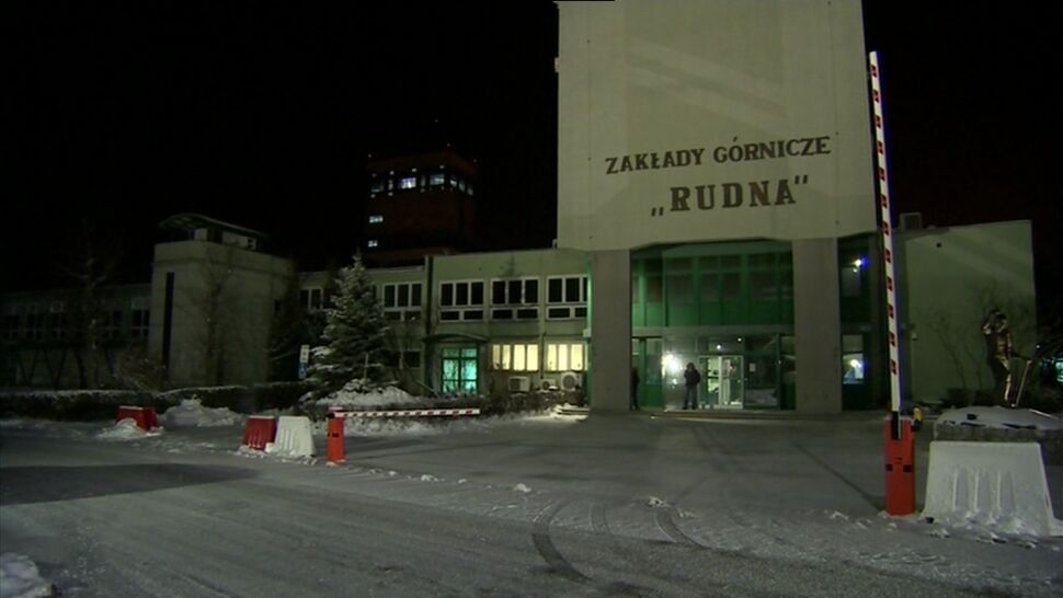 """Wstrząs i zawał w kopalni """"Rudna"""" w Polkowicach. Nie żyje górnik"""