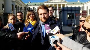 Radni aktywiści chcą całkowitego zakazu używania jednorazówek w urzędach