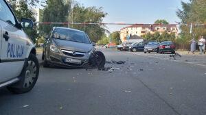 """BMW staranowało auta przed komendą policji. """"Kierowca z 2,5 promila"""""""