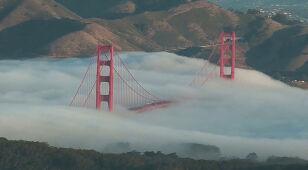 Most nad Golden Gate zatonął we mgle