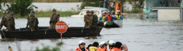 Po tajfunie Hagibis wylewają rzeki.