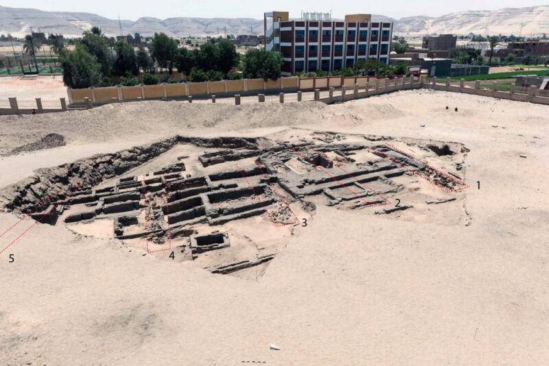 Starożytny browar odkryto w miejscowości Abydos (PAP/EPA/EGYPTIAN DEPARTMENT OF ANTIQUITIES)