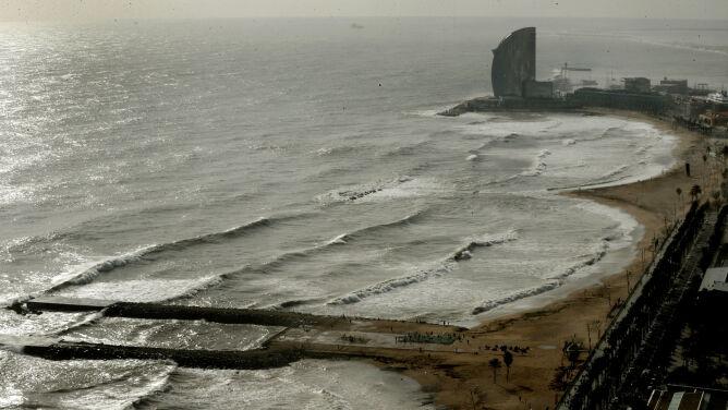 Silny wiatr, wysokie fale. Przez sztorm Gloria zginęło 11 osób
